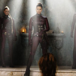LEGEND OF THE SEEKER's Sexy Season Two Begins Tonight!