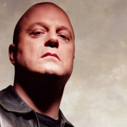 Michael Chiklis Is A Superhero Dad In NO ORDINARY FAMILY And Launches Own Comic Series