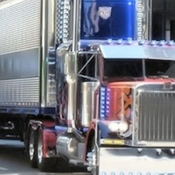 Transformers 3: Set Video – Prime Rolls Through Chicago, Sh!t Blows Up and Men Fly