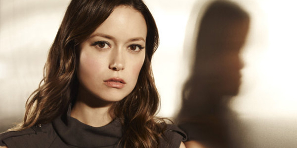 Jamie O'Donnel The-cape-summer-glau-orwell-close-up-WIDE
