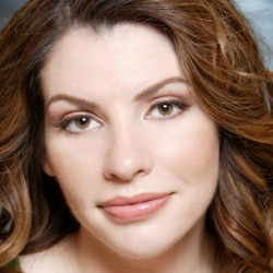 Stephenie Meyer Teases About More Twilight Books… and About Mermaids