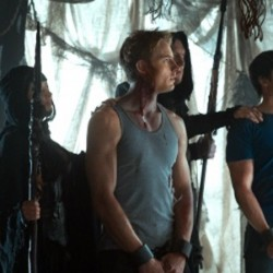 """SMALLVILLE: Justin Hartley Directs Zod's Return in """"Dominion"""""""