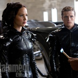 NEW Image and Poster from THE HUNGER GAMES Preview the Girl on Fire