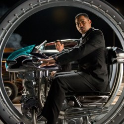 New Image from MEN IN BLACK III Featuring Will Smith and Josh Brolin