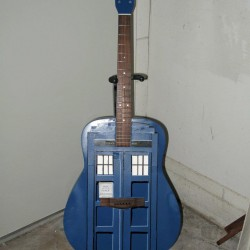 Pic of the Day: GuiTARDIS