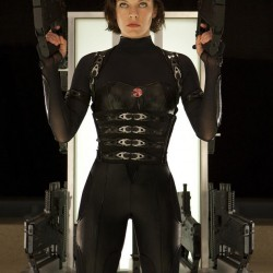 New Image of a Dual Wielding Alice from RESIDENT EVIL: RETRIBUTION