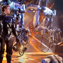 Guillermo del Toro Featurette Commentary on the PACIFIC RIM Trailer Plus New Pics