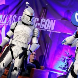 Cosplay Takes to the Red Carpet at Sci-Fi Expo