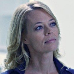 Jeri Ryan and HELIX Showrunner Steve Maeda Talk Sutton, Secrecy, and Season 2