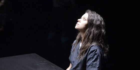 Orphan Black 210 season finale Sarah wide