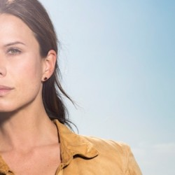 THE LAST SHIP's Rhona Mitra and Her Character Shed Light on the Virus