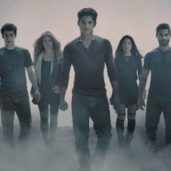 Monday's TEEN WOLF Finale Will be Supersized, Star Tyler Posey Gets Sunday Night Special