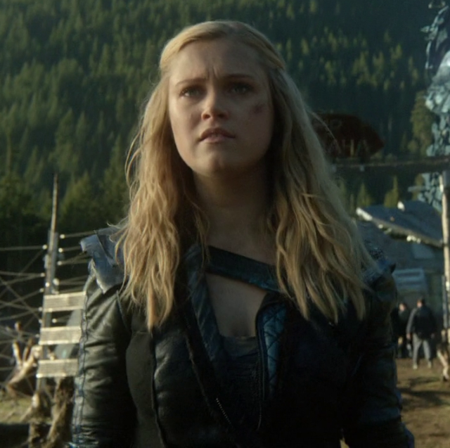 Clarke Griffin The 100 Season 2 walkabout