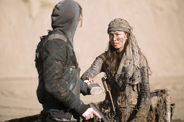 "The 100 -- ""Rubicon"" -- Image: HU212A_0263 -- Pictured: Luisa D'Oliveira as Emori -- Photo: Katie Yu/The CW -- © 2015 The CW Network, LLC. All Rights Reserved"