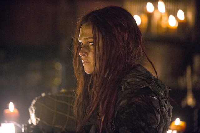 "The 100 -- ""Wanheda: Part One"" -- Image HU301b_0323 -- Pictured: Eliza Taylor as Clarke -- Credit: Cate Cameron/The CW -- © 2015 The CW Network, LLC. All Rights Reserved"