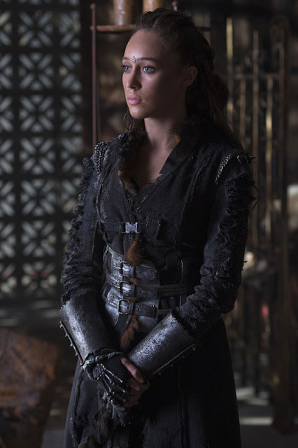 """The 100 -- """"Ye Who Enter Here"""" -- ImageHU303A_0052 -- Pictured: Alycia Debnam-Carey as Lexa -- Credit: Cate Cameron/The CW -- © 2016 The CW Network, LLC. All Rights Reserved"""