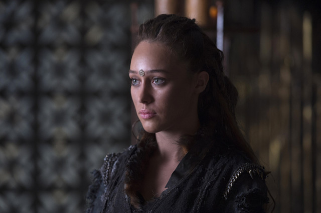 """The 100 -- """"Ye Who Enter Here"""" -- ImageHU303A_0054 -- Pictured: Alycia Debnam-Carey as Lexa -- Credit: Cate Cameron/The CW -- © 2016 The CW Network, LLC. All Rights Reserved"""