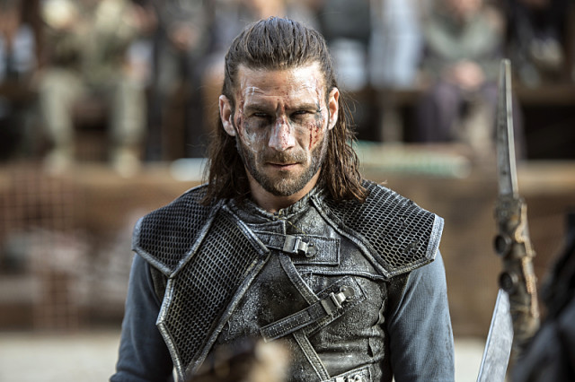 """The 100 -- """"Watch The Thrones"""" -- ImageHU304a_0036 -- Pictured: Zachary McGowan as Roan -- Credit: Cate Cameron/The CW -- © 2016 The CW Network, LLC. All Rights Reserved"""
