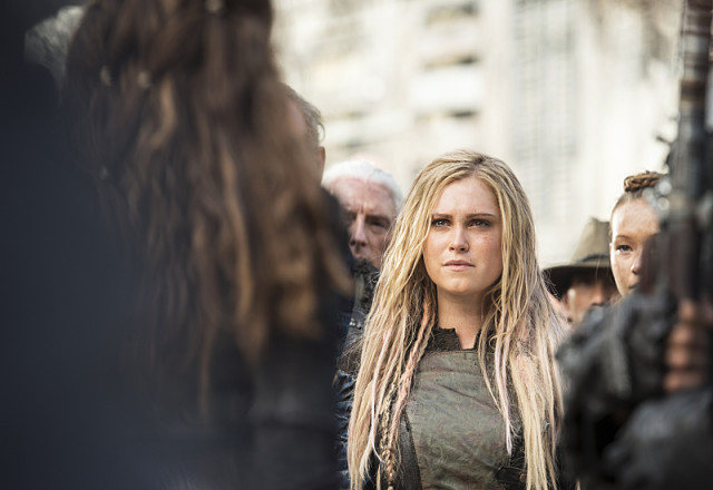 "The 100 -- ""Watch The Thrones"" -- Image HU304a_0278 -- Pictured: Eliza Taylor as Clarke -- Credit: Cate Cameron/The CW -- © 2016 The CW Network, LLC. All Rights Reserved"